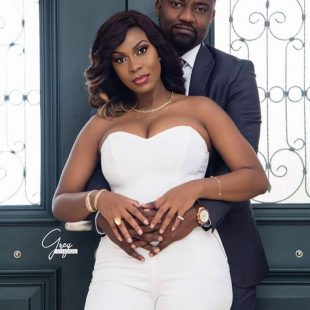 Jon Benjamin sends Dumelo special wedding present [Photo]