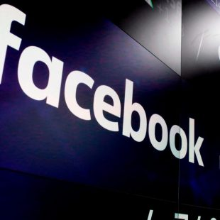 Facebook faces £500,000 fine from UK data watchdog